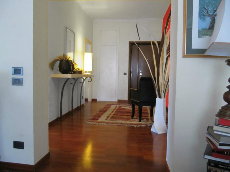 L 39 architetto risponde colore pareti soggiorno mammachecasa - Levigare il parquet senza togliere i mobili ...