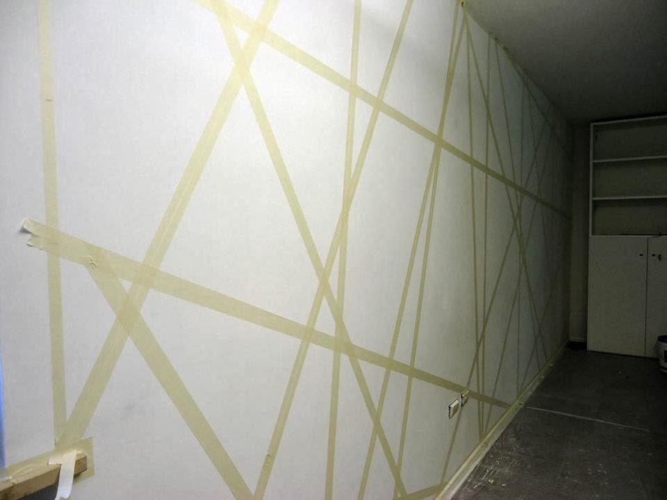 Decorare una parete con il colore e la geometria - Giochi di baci sul letto ...