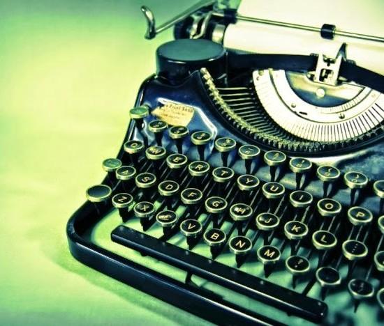 macchina-da-scrivere-e1360333442501