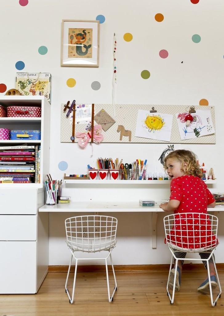 Un angolo dedicato alla figlia all'interno della casa della designer Lorena Siminovich. Fonte: http://www.sfgate.com/homeandgarden/article/Designer-Lorena-Siminovich-crafts-a-playful-home-5482038.php