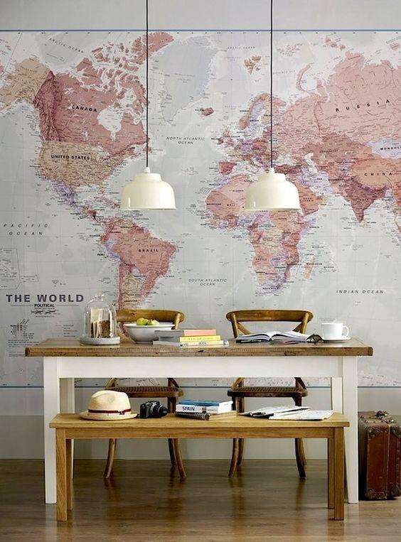 La parete-mappa geografica.