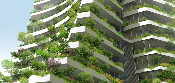 Edifici con balconi verdi